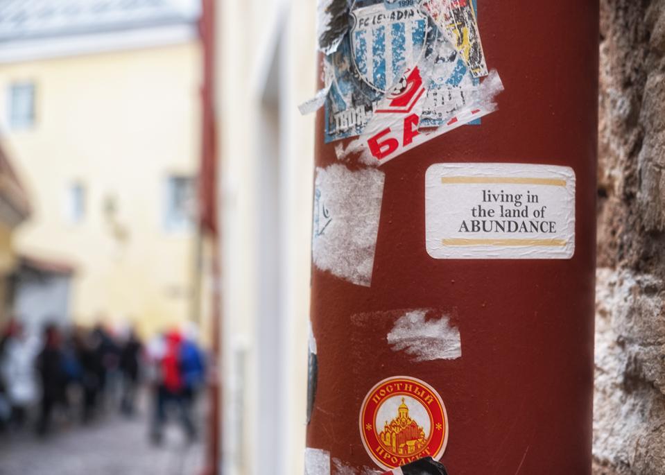 Tallin • Estland Att se sig själv från ovan ger perspektiv. Hur skulle den mest typiska bilden se ut från dit liv se ut? Blev det som du en gång hade tänkt? Tallin • Estonia Yet another day at work. //danne
