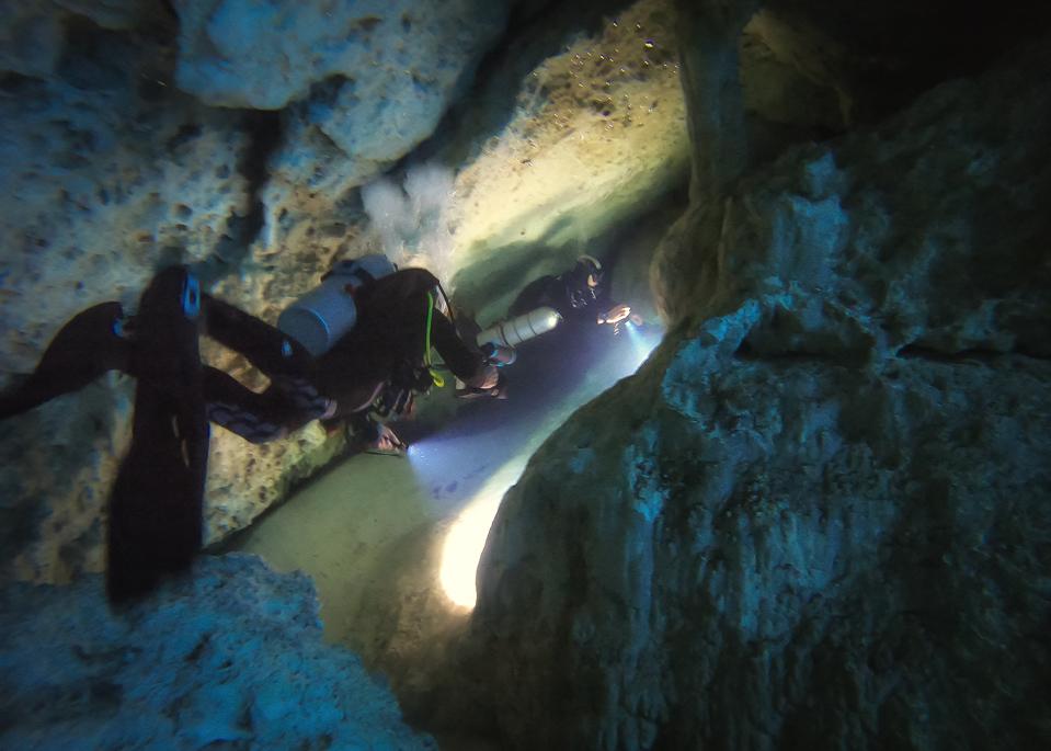 Cenote El Pit